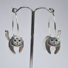 Cat hoop earrings E26